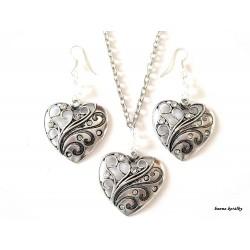 Řetízek a náušnice - srdce s bílými kamínky