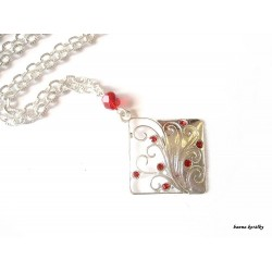 Řetízek - kosočtverec s červenými kamínky
