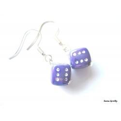 Náušnice - fialové hrací kostky