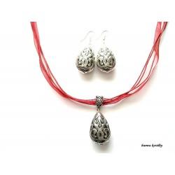 Stříbrné náušnice a náhrdelník na černé stužce