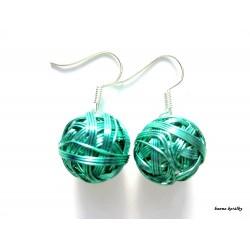 Náušnice zelené drátkované klubíčka