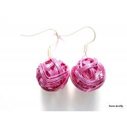 Náušnice růžové drátkované klubíčka