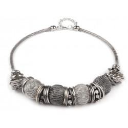 Kovový náhrdelník s korálky
