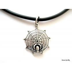 Náhrdelník s pavučinou